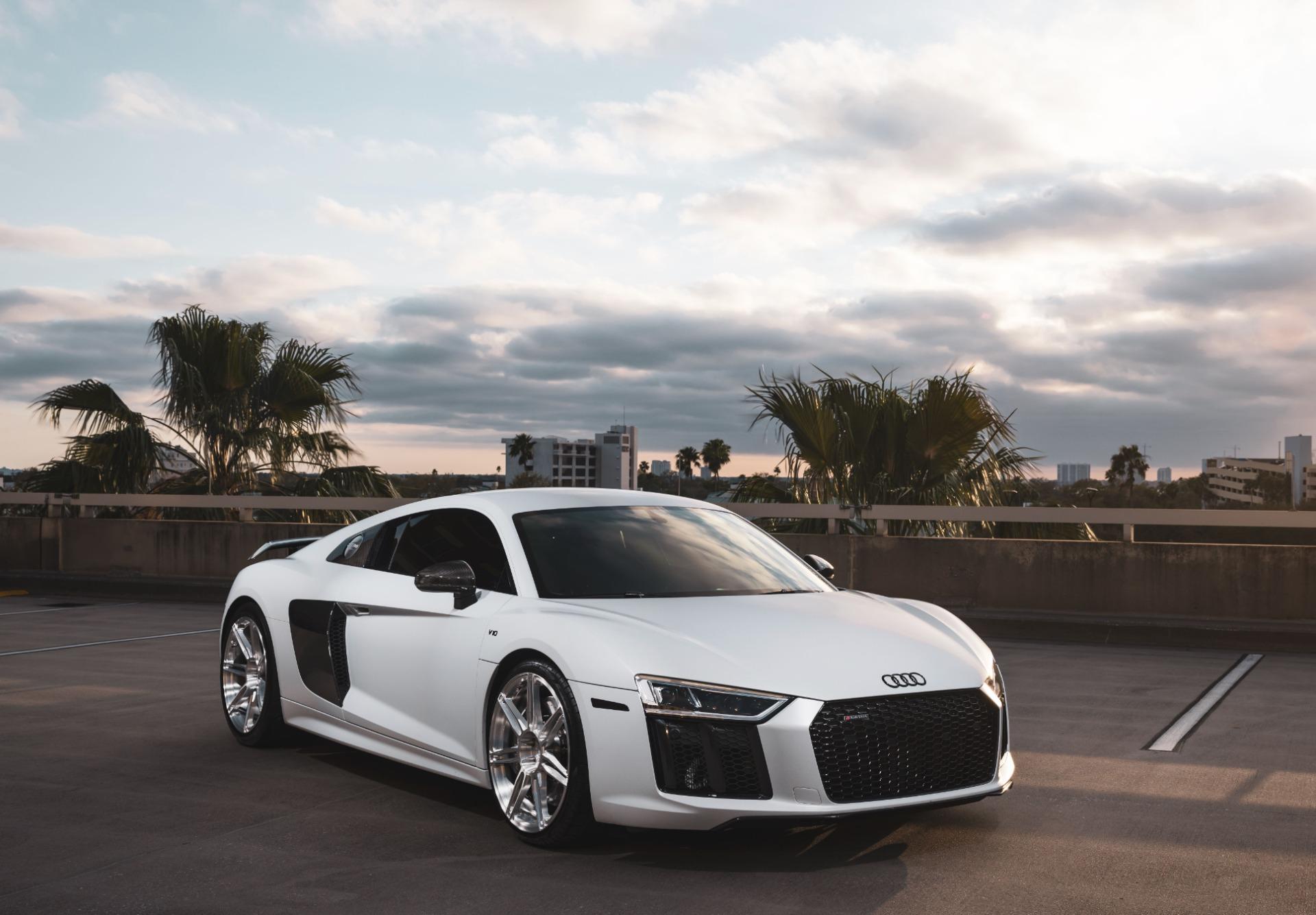 Used-2017-Audi-R8-52-quattro-V10-Plus-MSRP-209595-UPGRADES-DIAMOND-STITCHED-LEATHER