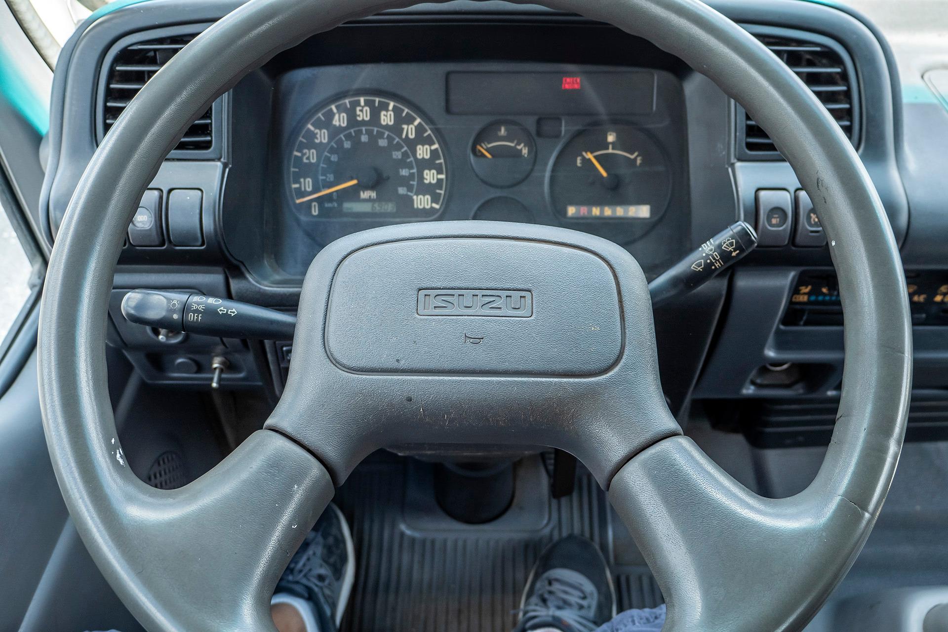 Used-2007-Isuzu-NPR-Flatbed-Equipment