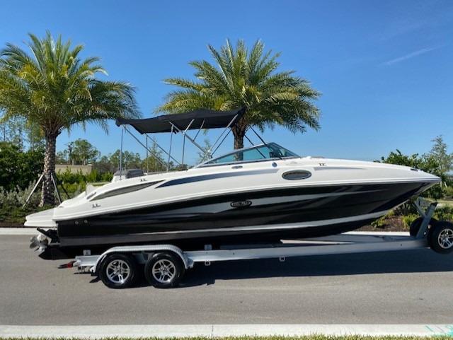 Used-2011-Sea-Ray-260-Sun-Deck-Boat