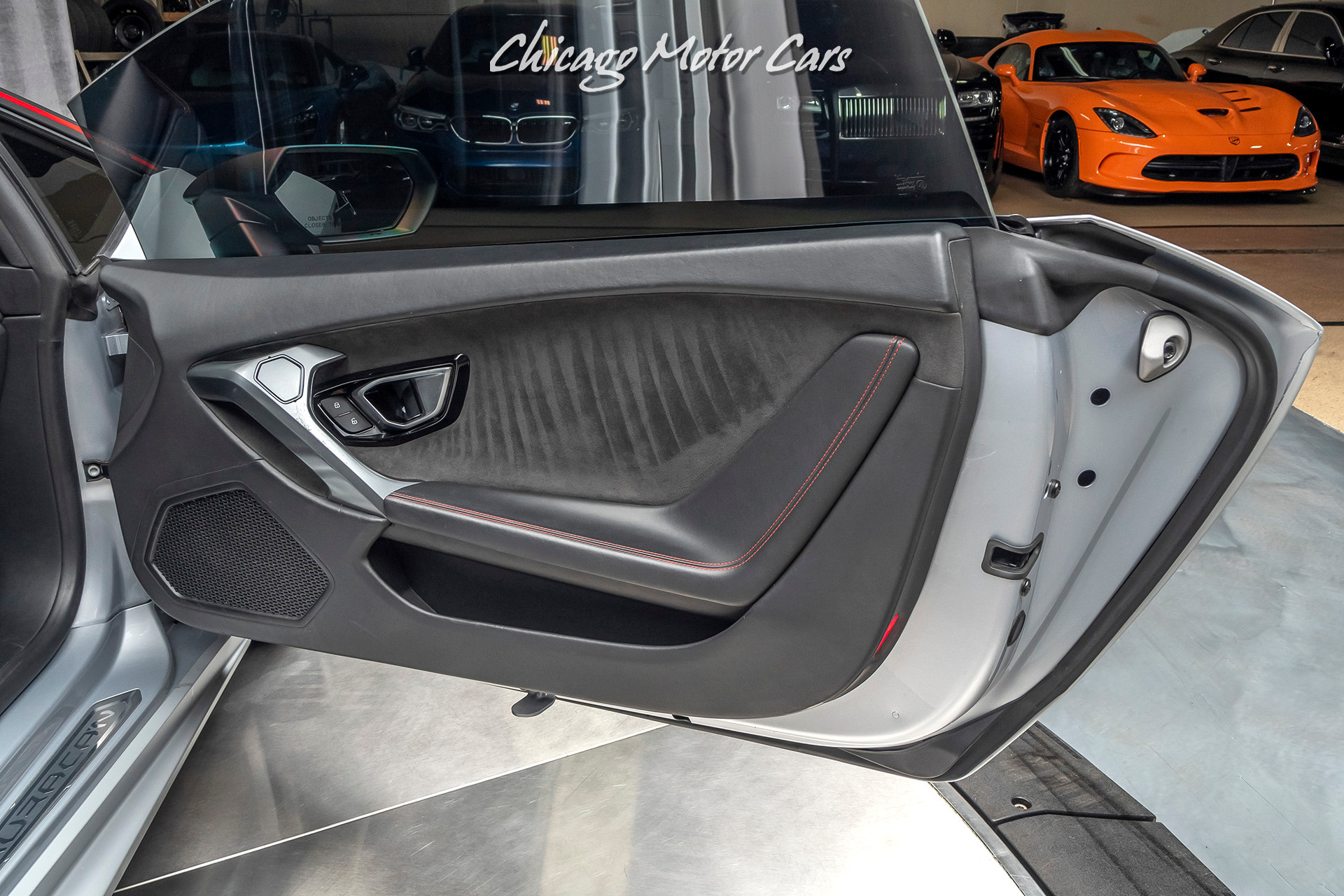 Used-2015-Lamborghini-Huracan-LP610-4-Huracan-Coupe-ONLY-19K-MILES-20-INCH-FORGED-WHEELS
