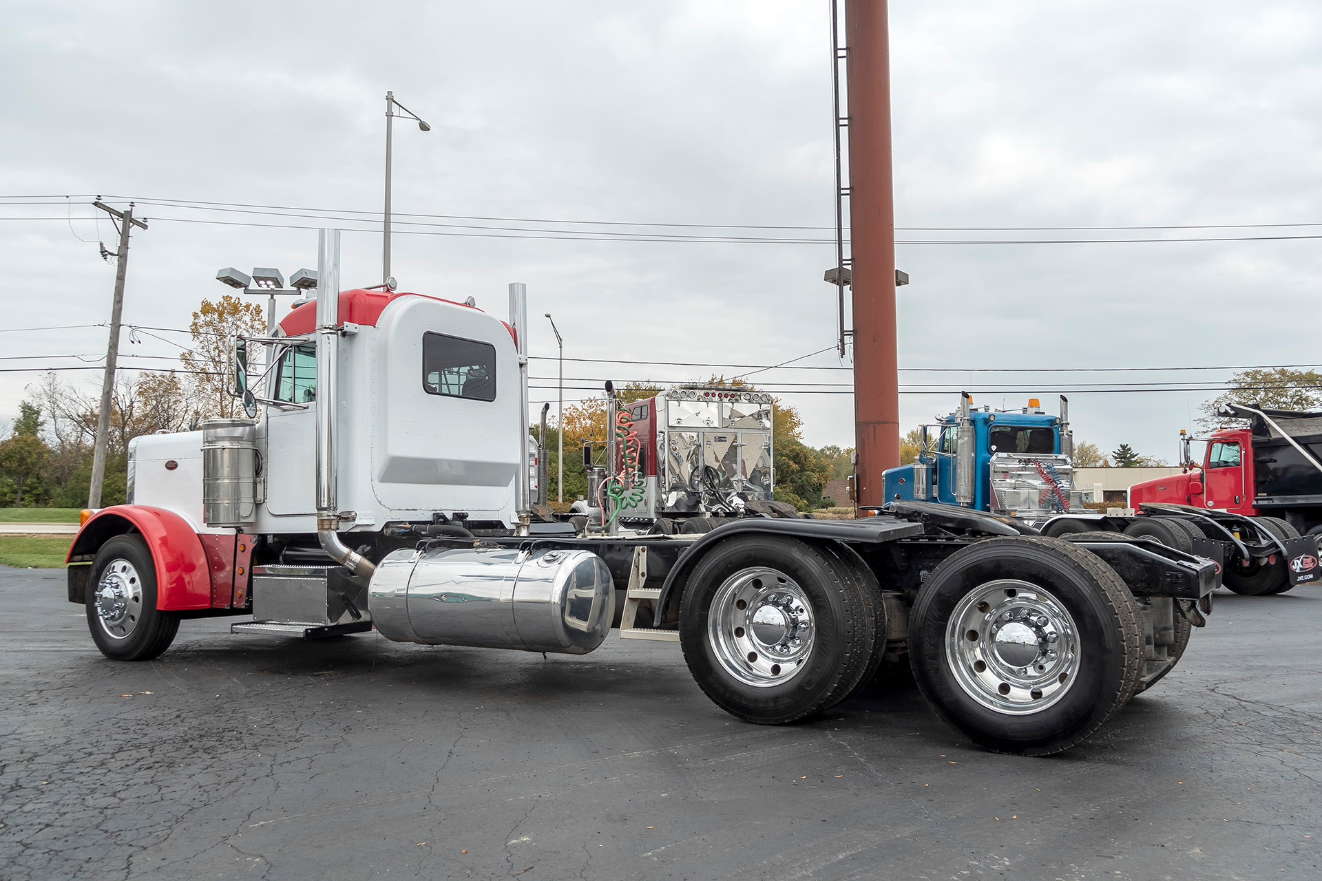 Used-2000-Peterbilt-379-Truck-Tractor