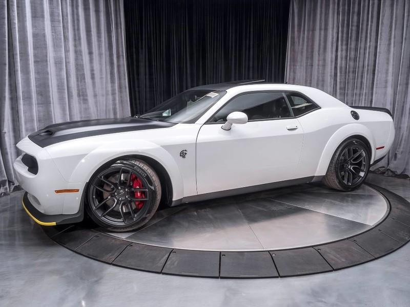 Used 2019 Dodge Challenger SRT Hellcat Redeye **ONLY 9 MILES