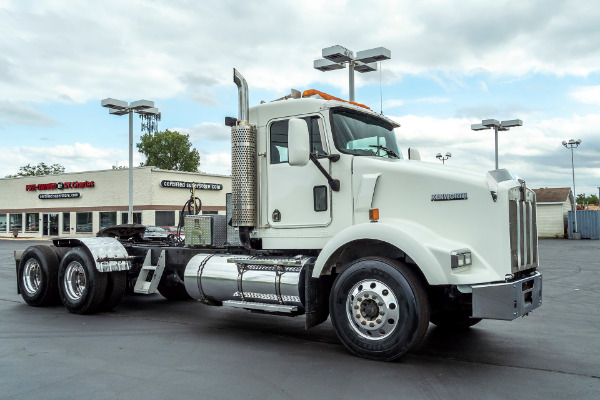 Used-2004-Kenworth-T800-DAY-CAB-Truck-Tractor