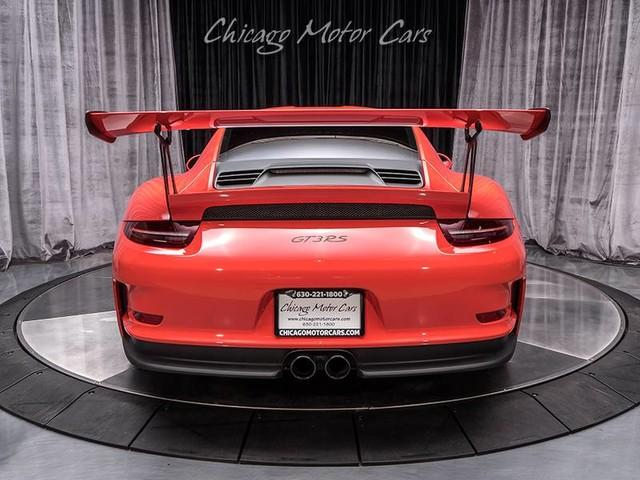 Used-2016-Porsche-911-GT3-RS-Ordered-with-Maximum-Weight-Reduction