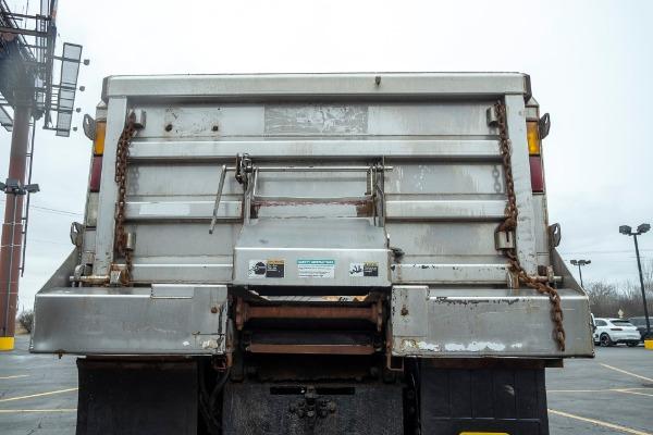 Used-2004-International-7400-Dump-Truck