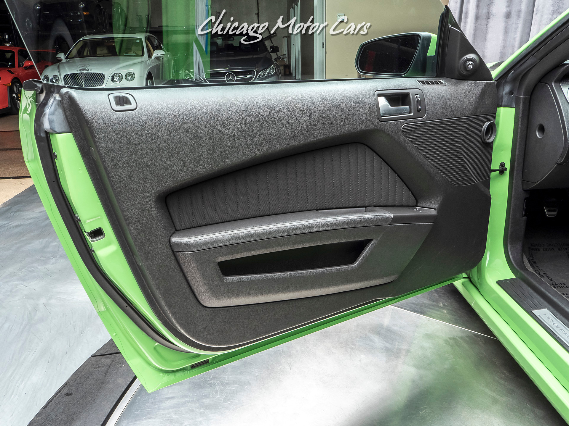 Used-2013-Ford-Mustang-Mustang-Boss-302-GOTTA-HAVE-IT-GREEN-METALLIC-TRI-COAT-RARE-EXAMPLE