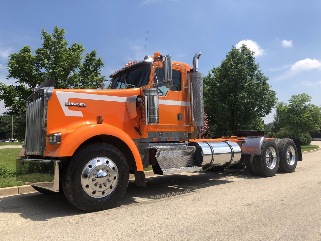 Used-2000-Kenworth-W900-Truck-Tractor