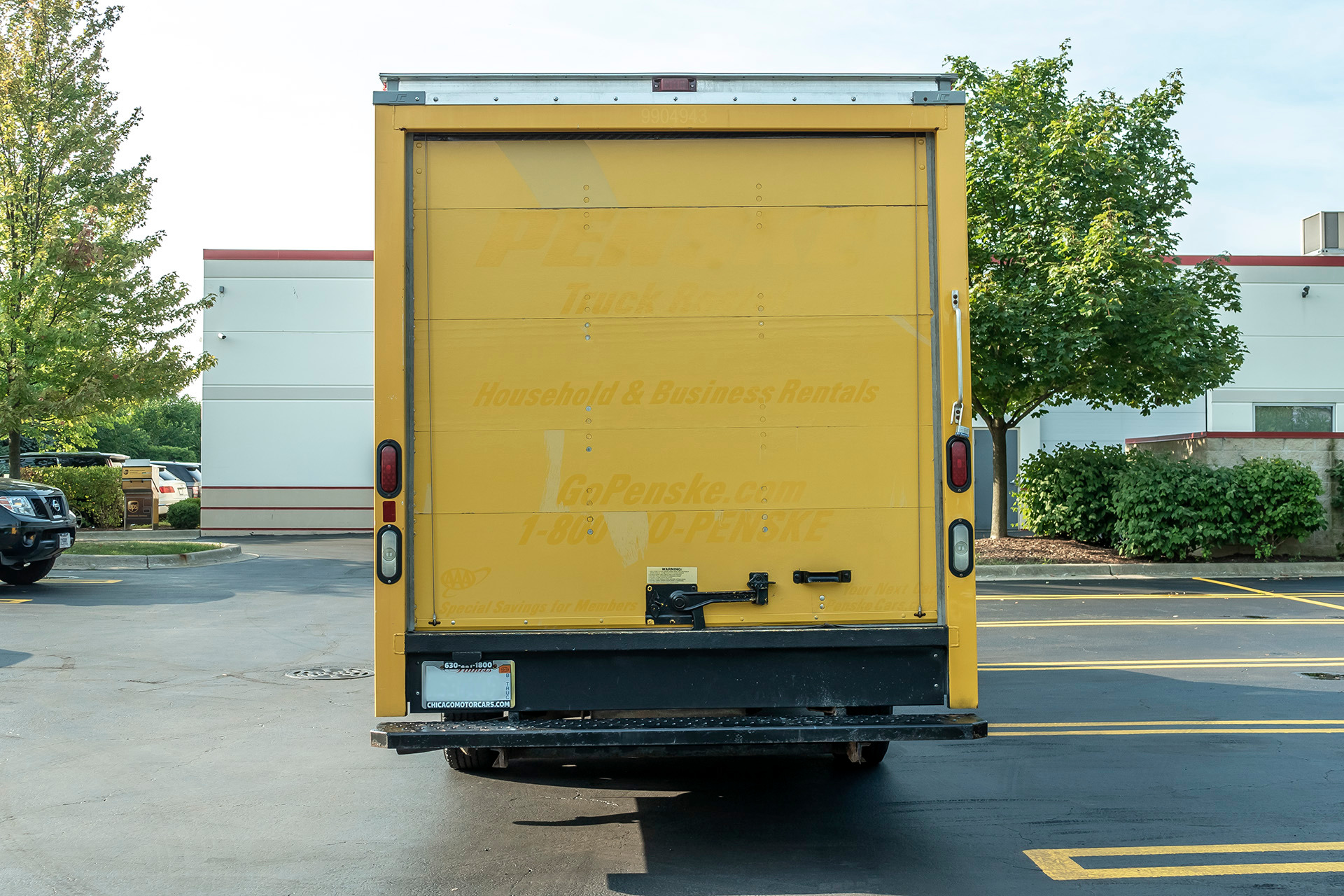 Used 2010 GMC Savana Commercial Cutaway 3500 BOX TRUCK For
