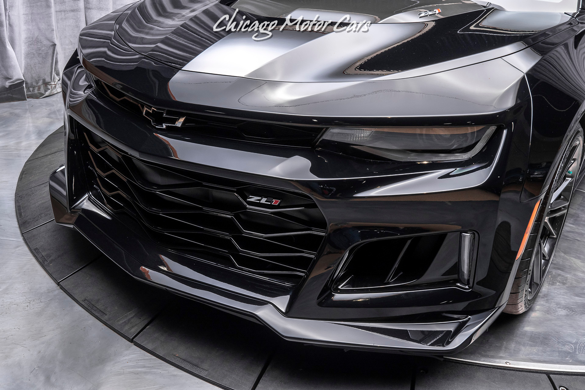 Used-2017-Chevrolet-Camaro-ZL1-Coupe-ONLY-3900-MILES-CARBON-FIBER-HOOD-INSERT-6-Speed-Manual