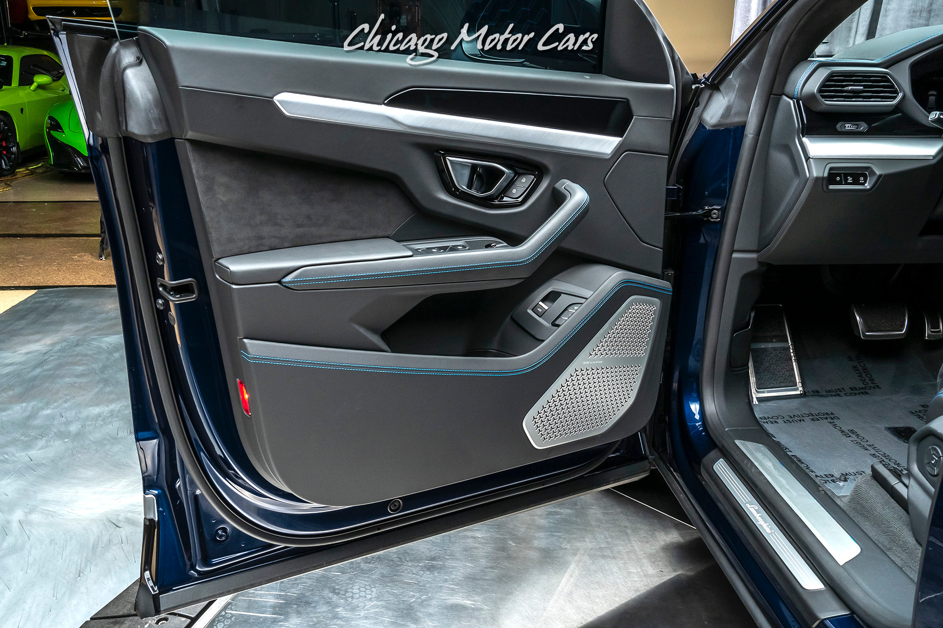 Used 2019 Lamborghini Urus Suv Msrp 241k Rear Seat Entertainment For Sale Special Pricing Chicago Motor Cars Stock 16234a