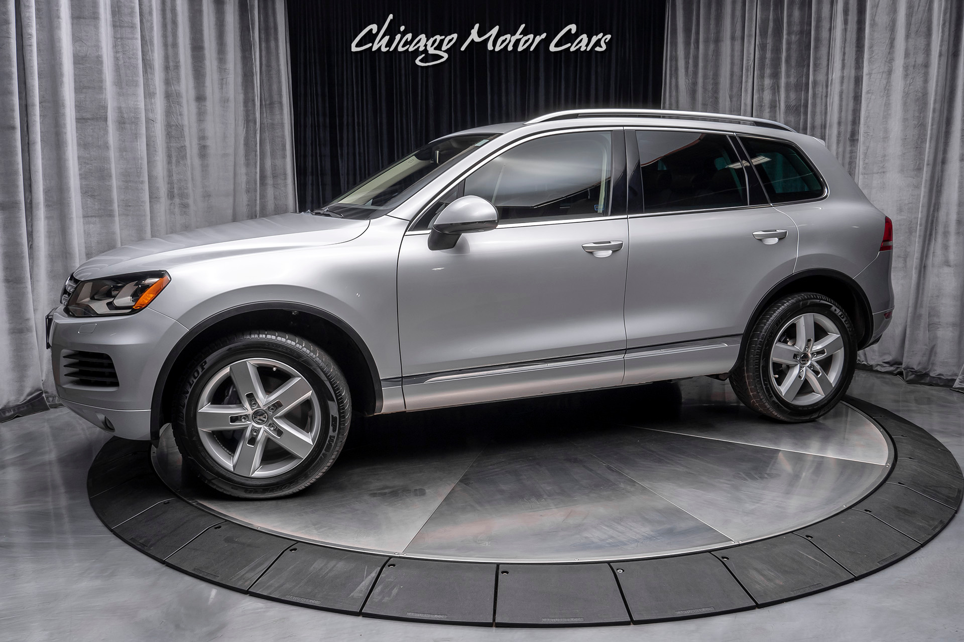 Used 2011 Volkswagen Touareg Tdi Lux Awd For Sale Special Pricing Chicago Motor Cars Stock 16284