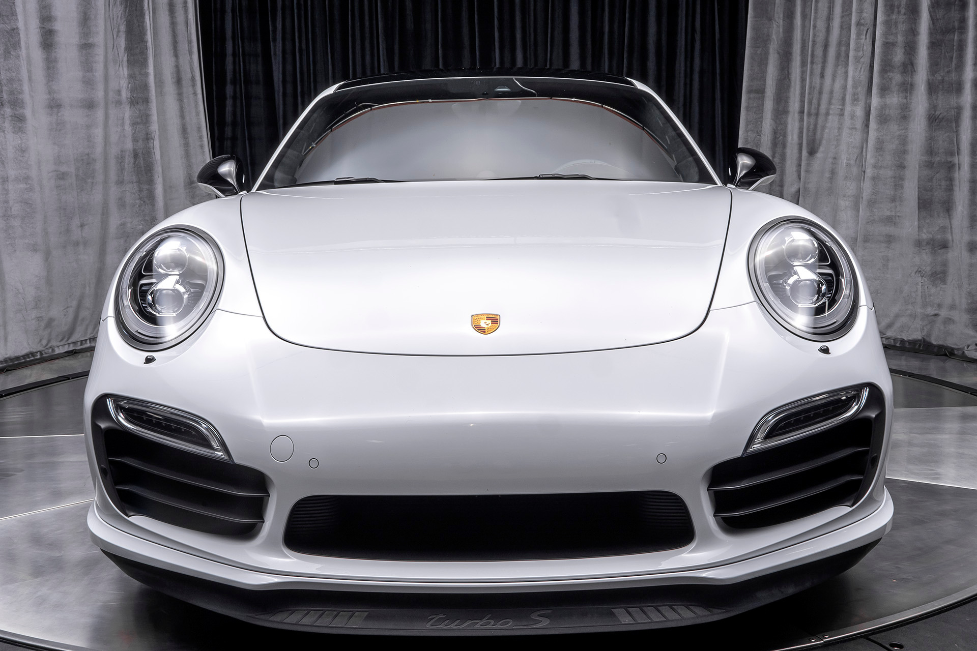 Used-2015-Porsche-911-Turbo-S-Coupe-LOADED-WITH-UPGRADES