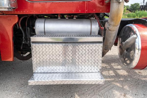Used-1996-Peterbilt-379-Truck-Tractor-CAT-3406B-Turbo-Diesel-Engine