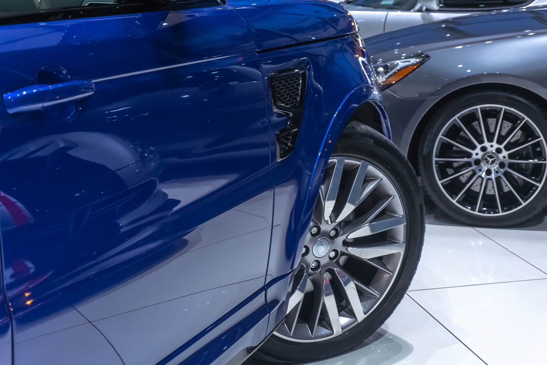 Used-2016-Land-Rover-Range-Rover-Sport-SVR-Supercharged-SUV-MERIDIAN-SOUND-SYSTEM-DRIVER-ASSISTANCE-PACKAGE