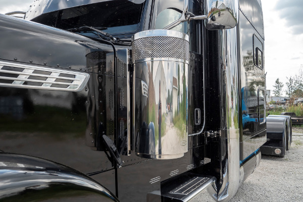 Used-1997-Peterbilt-379-Truck-Tractor-with-Sleeper-LOADED