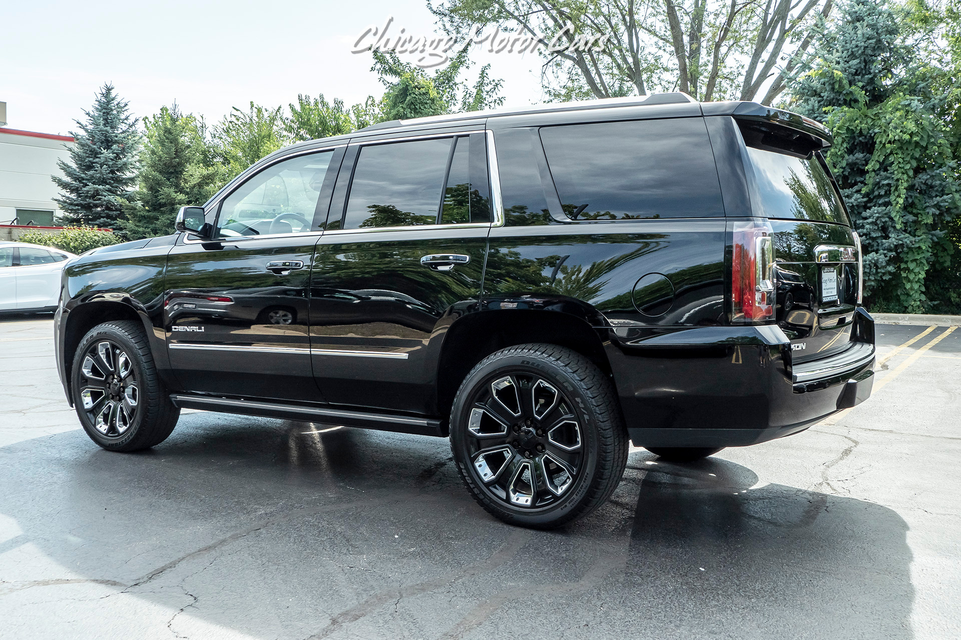 Used-2019-GMC-Yukon-Denali-ULTIMATE-BLACK-EDITION