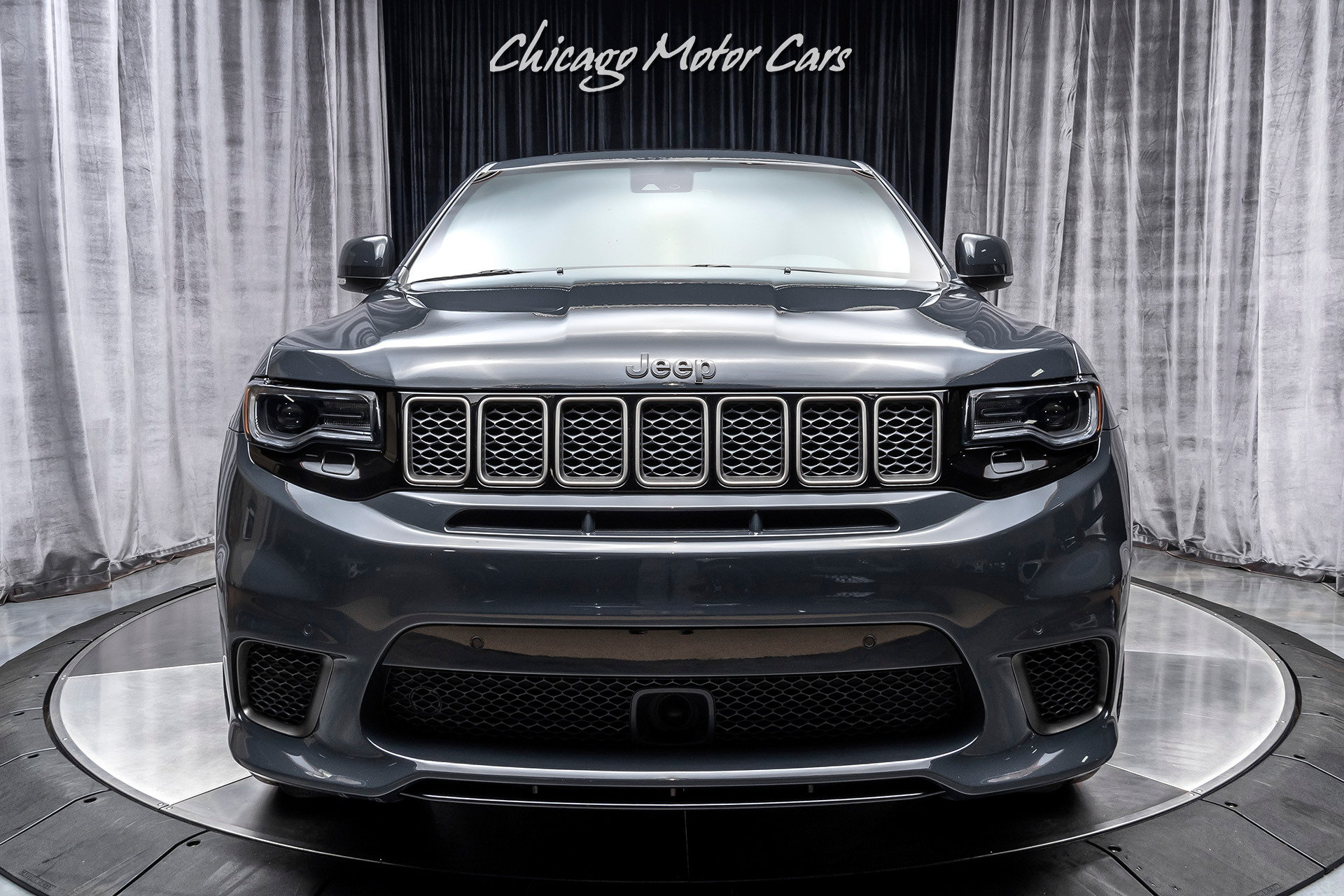 Used-2018-Jeep-Grand-Cherokee-Trackhawk--707HP-HELLCAT-ENGINE-REAR-DVD-ENTERTAINMENT