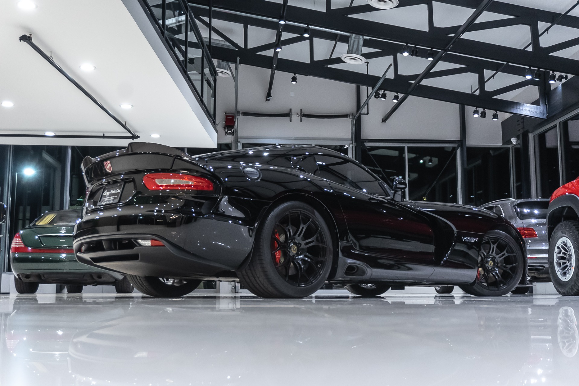 Used-2014-Dodge-SRT-Viper-GTS-Coupe-ADVANCED-CARBON-FIBER-AERO-PACKAGE