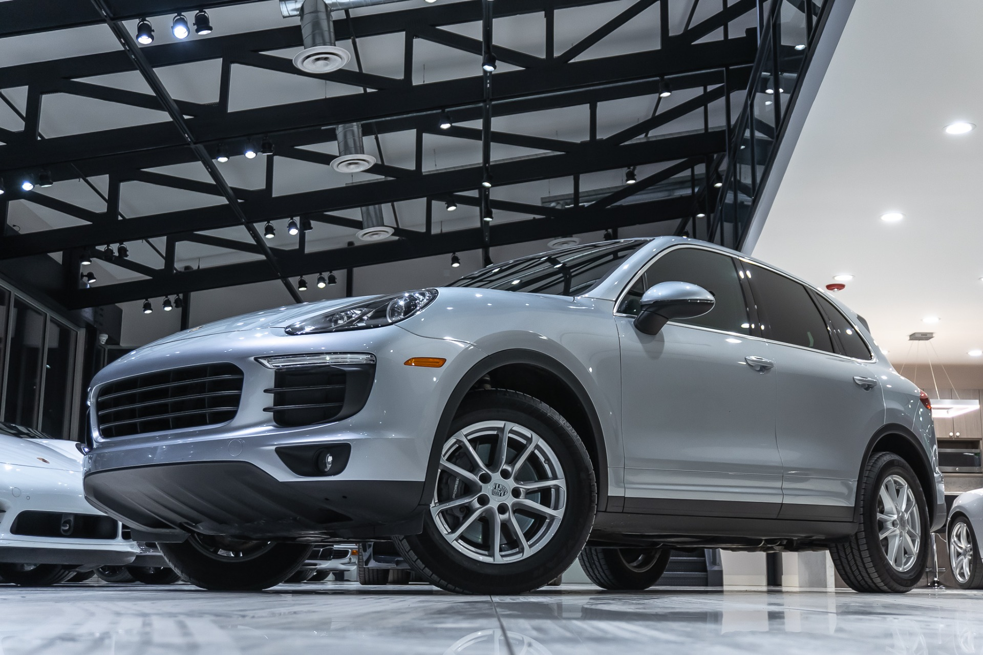 Used 2016 Porsche Cayenne Suv Porsche Active Suspension Management Heated Seats For Sale Special Pricing Chicago Motor Cars Stock 16342