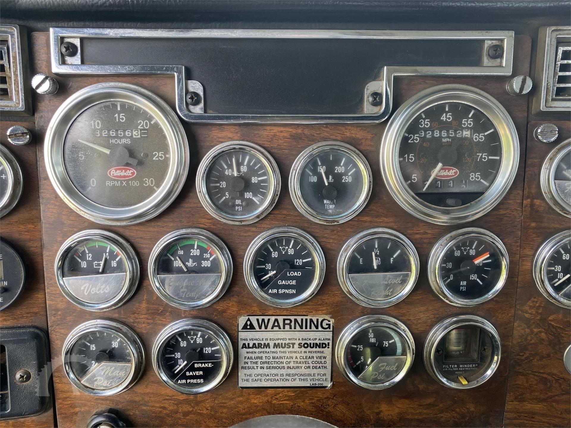 Used-2000-Peterbilt-378-Conventional