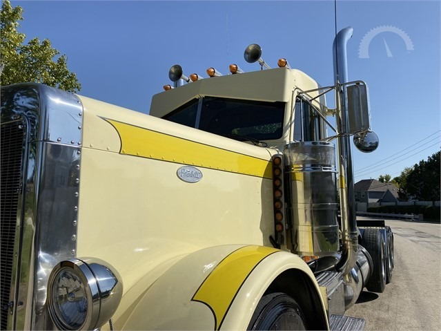 Used-1997-Peterbilt-379EXHD-Conventional