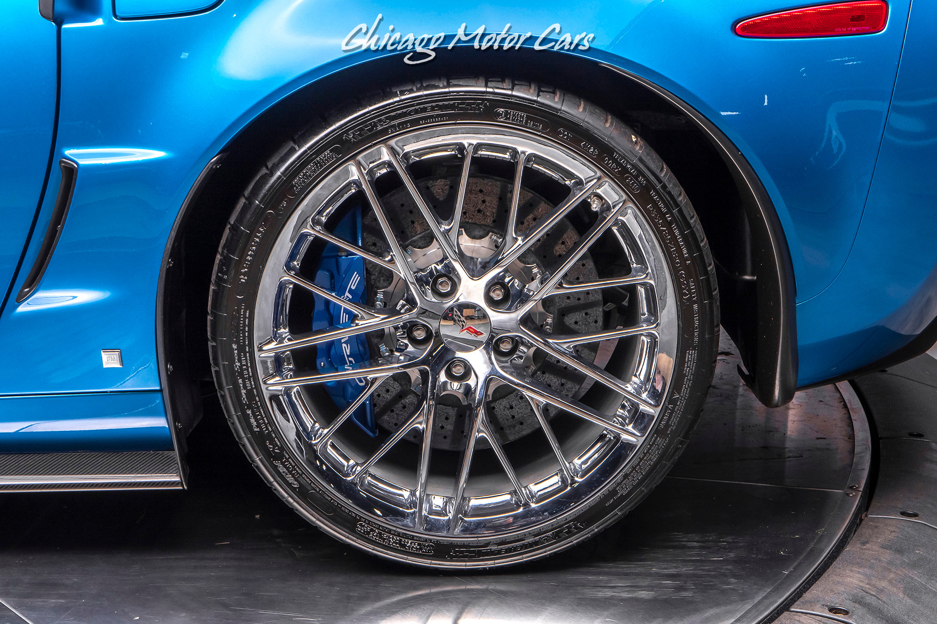 Used-2009-Chevrolet-Corvette-ZR1-with-3ZR-PACKAGE