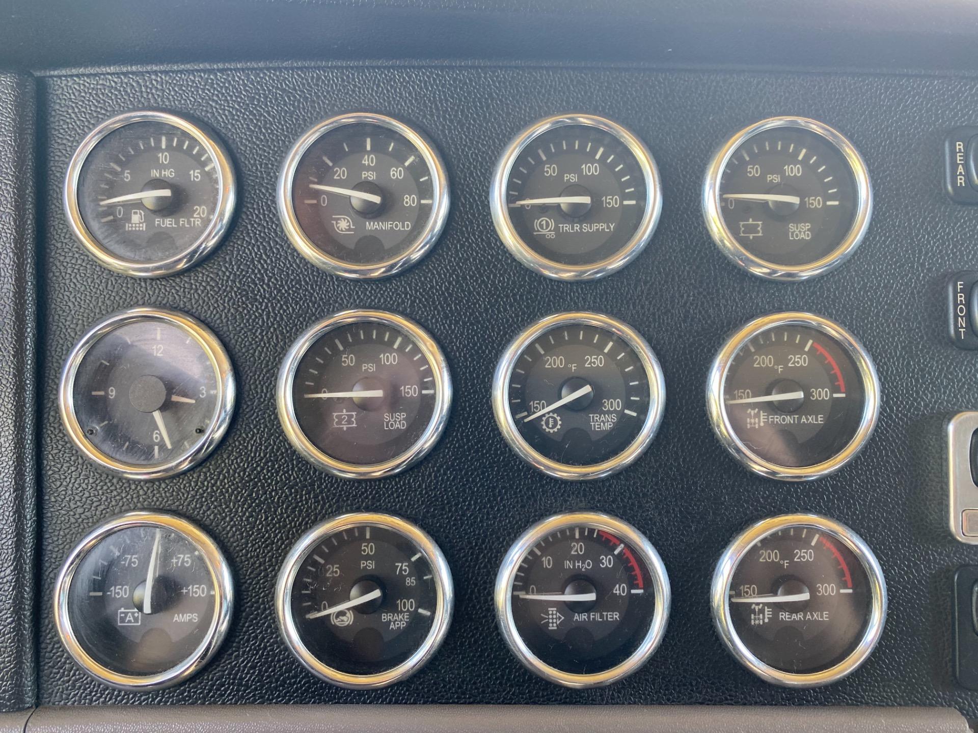 Used-2013-Peterbilt-389-Glider-Kit