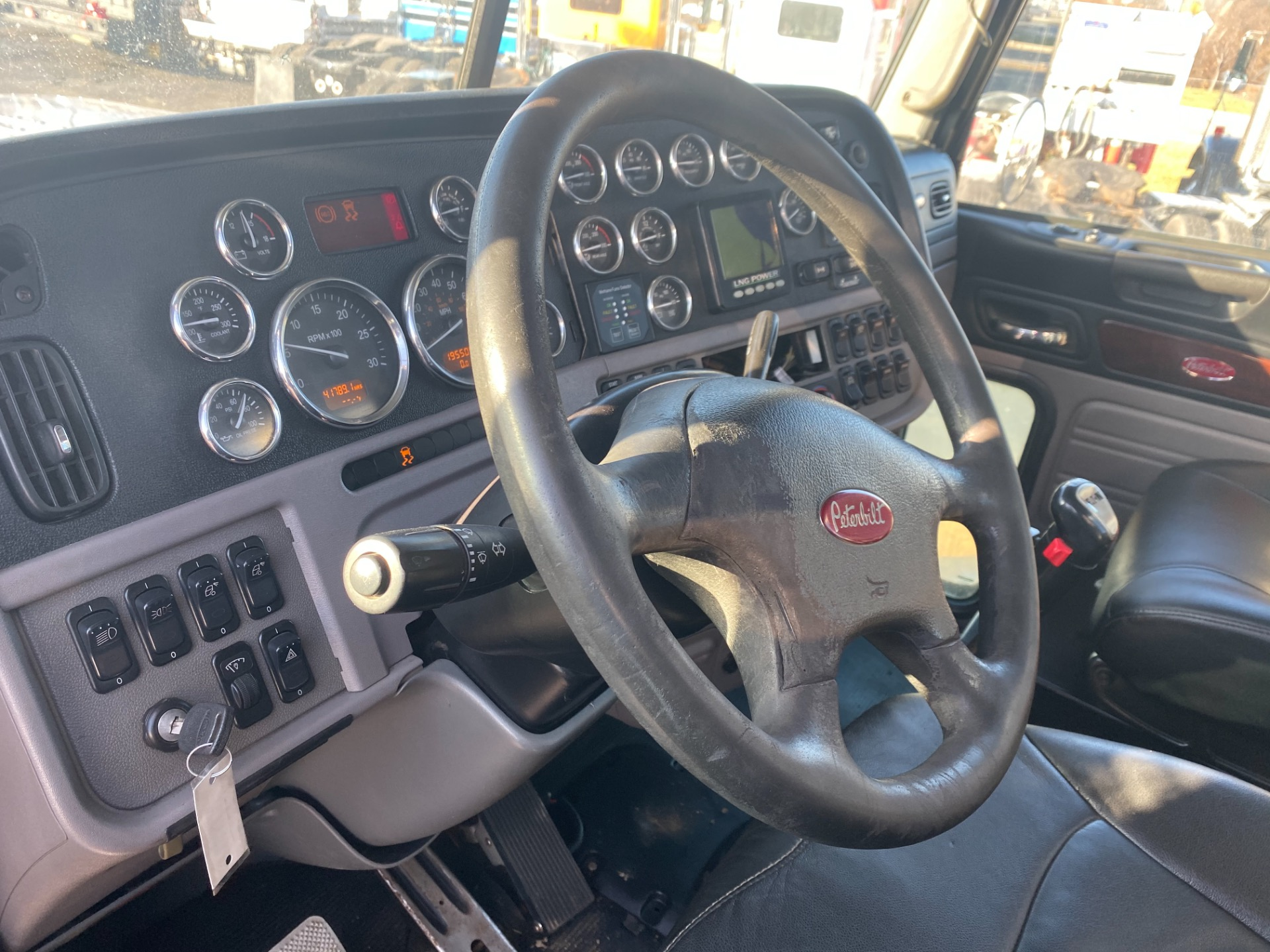 Used-2012-Peterbilt-388-Day-Cab