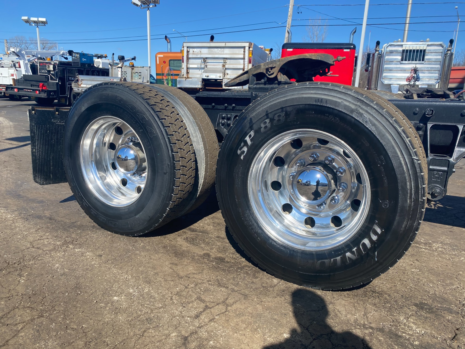 Used-2012-Kenworth-T800-Truck-Tractor