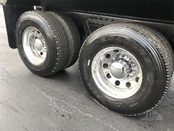 Used-2015-Peterbilt-367-Dump-Truck