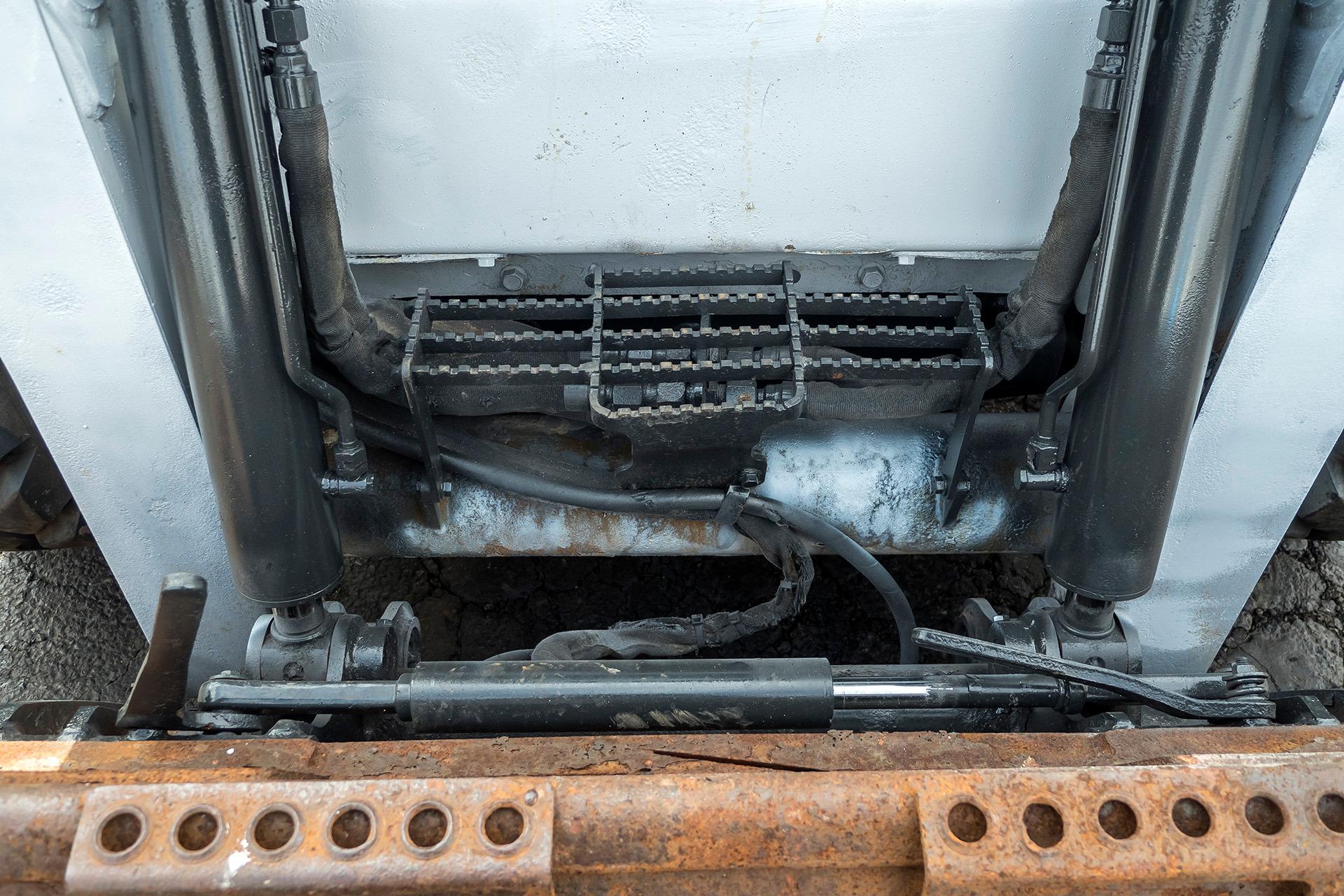 Used-2011-BOBCAT-S650-Skid-Steer