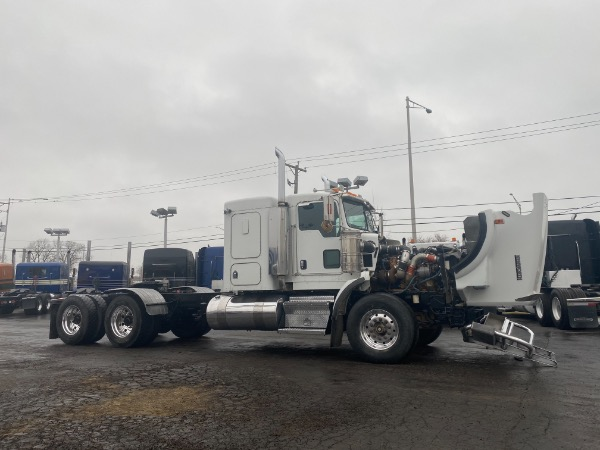 Used-2005-Kenworth-T800-Sleeper
