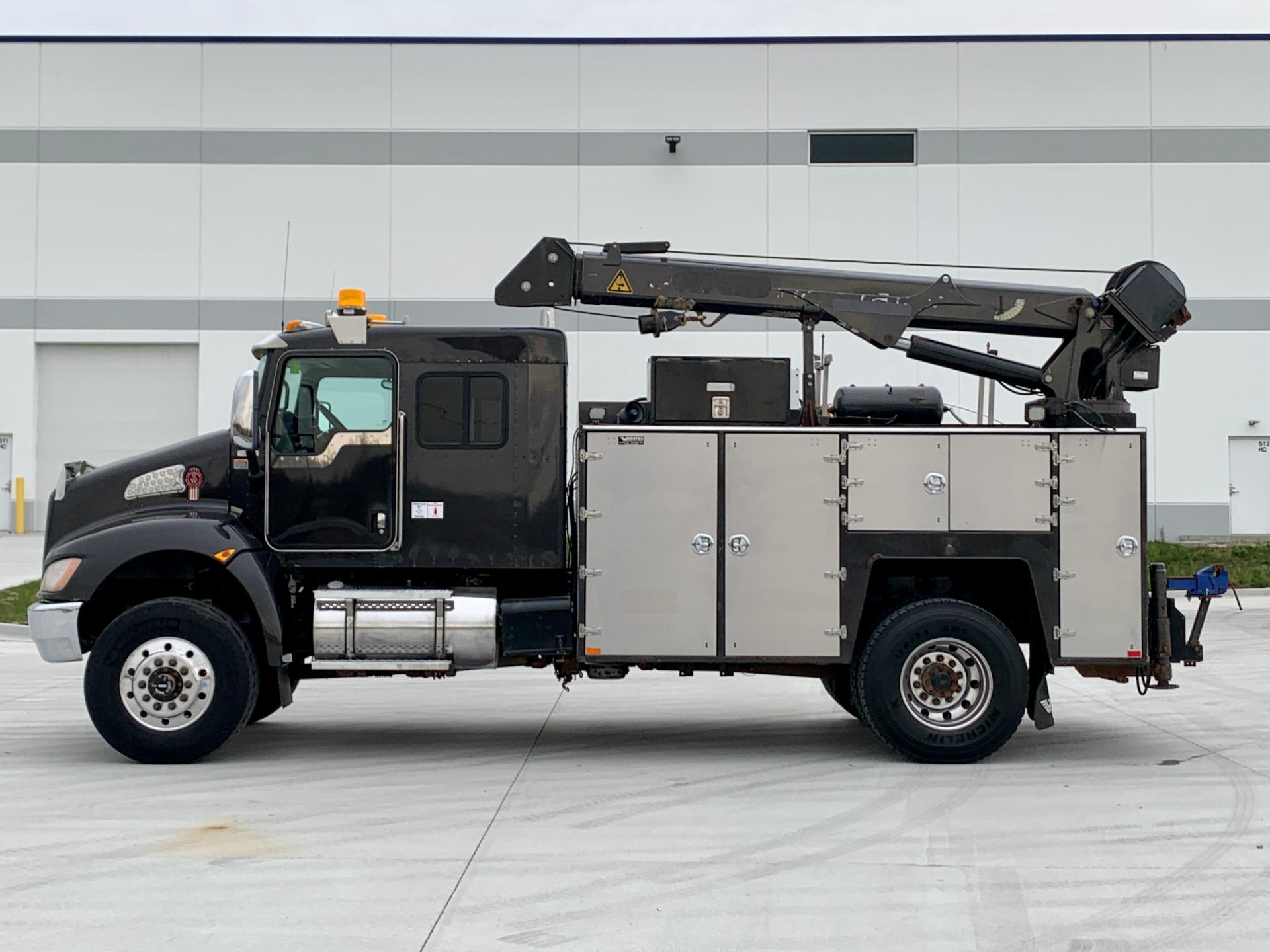 Used-2012-Kenworth-T370-Sleeper-Service-Truck