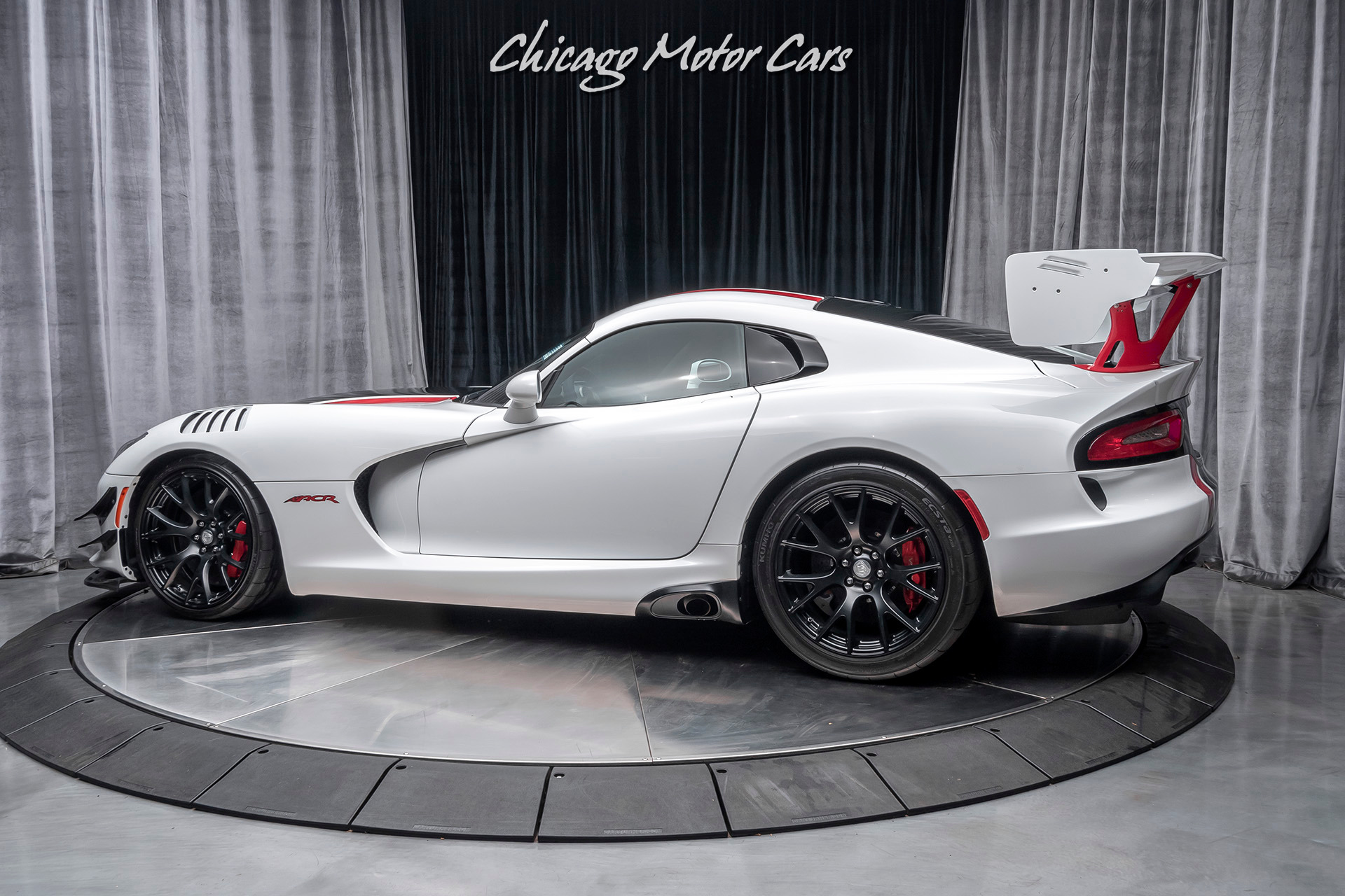 Used-2016-Dodge-Viper-ACR-Coupe-EXTREME-AERO-PACKAGE-STREET-LEGAL-RACE-CAR