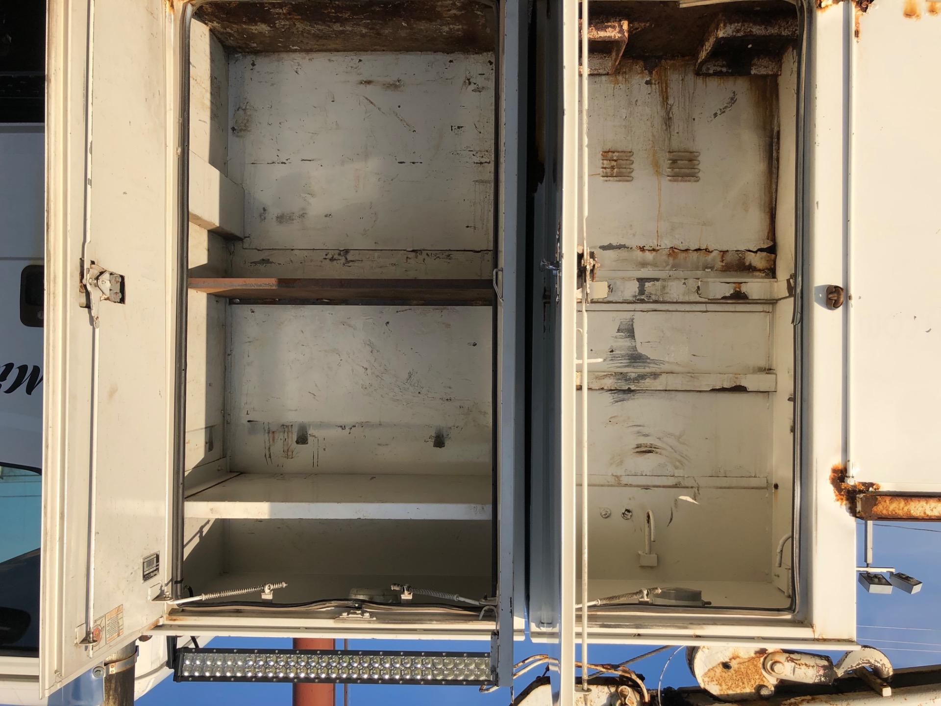 Used-2002-Freightliner-FL70
