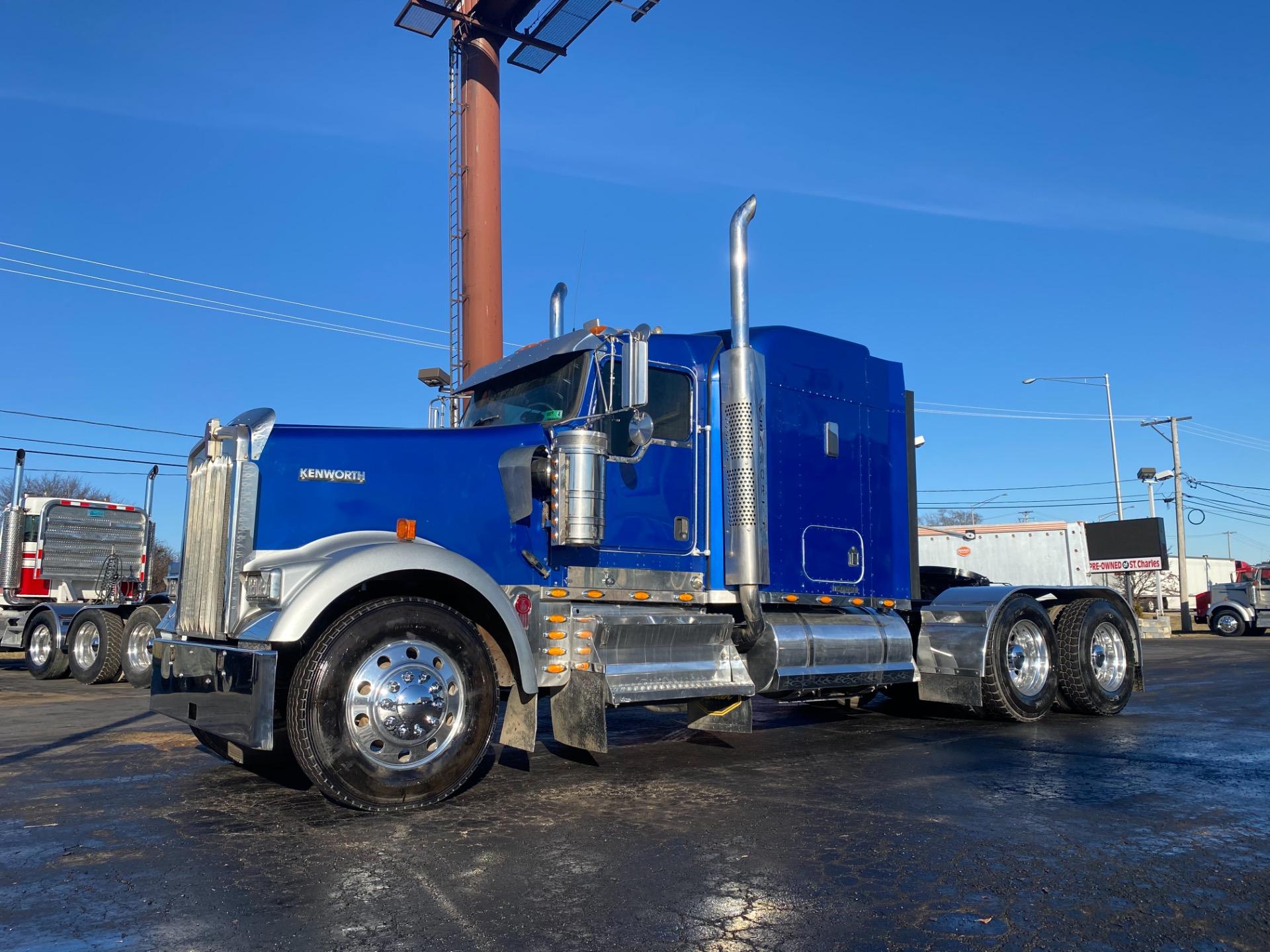 Used-2007-Kenworth-W900-Sleeper-Truck-Trackor