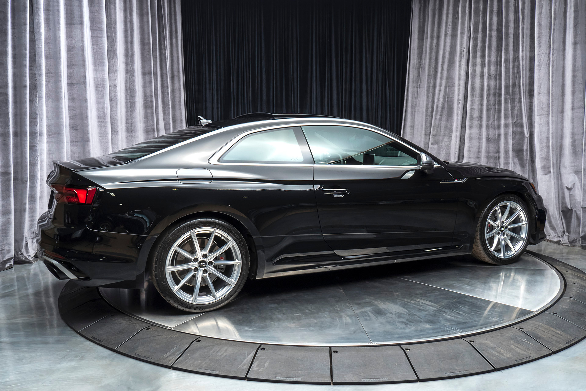 Used-2019-Audi-RS-5-29T-quattro-Coupe-MSRP-87K-DYNAMIC-PLUS-PACKAGE