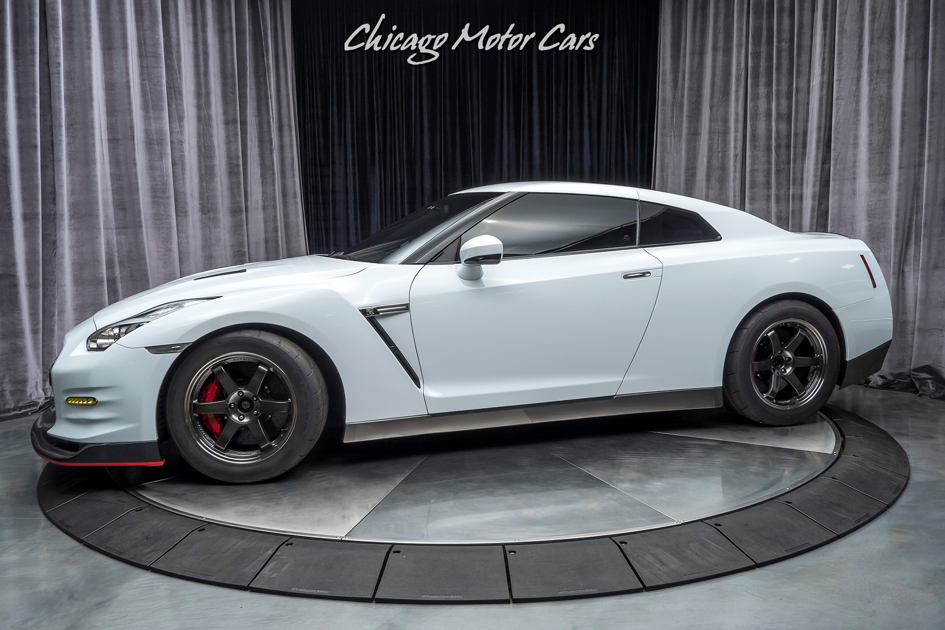 Used-2010-Nissan-GT-R-Premium-Coupe-1300-WHP-ONLY-20-MILES-ON-THE-ENGINE