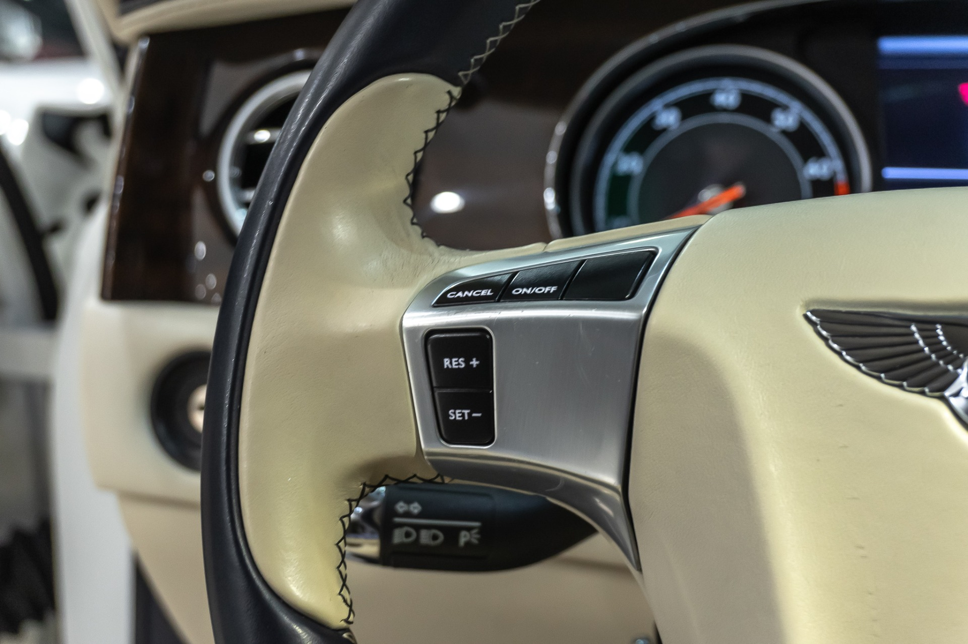 Used-2014-Bentley-Flying-Spur-W12-Sedan-LOADED-White