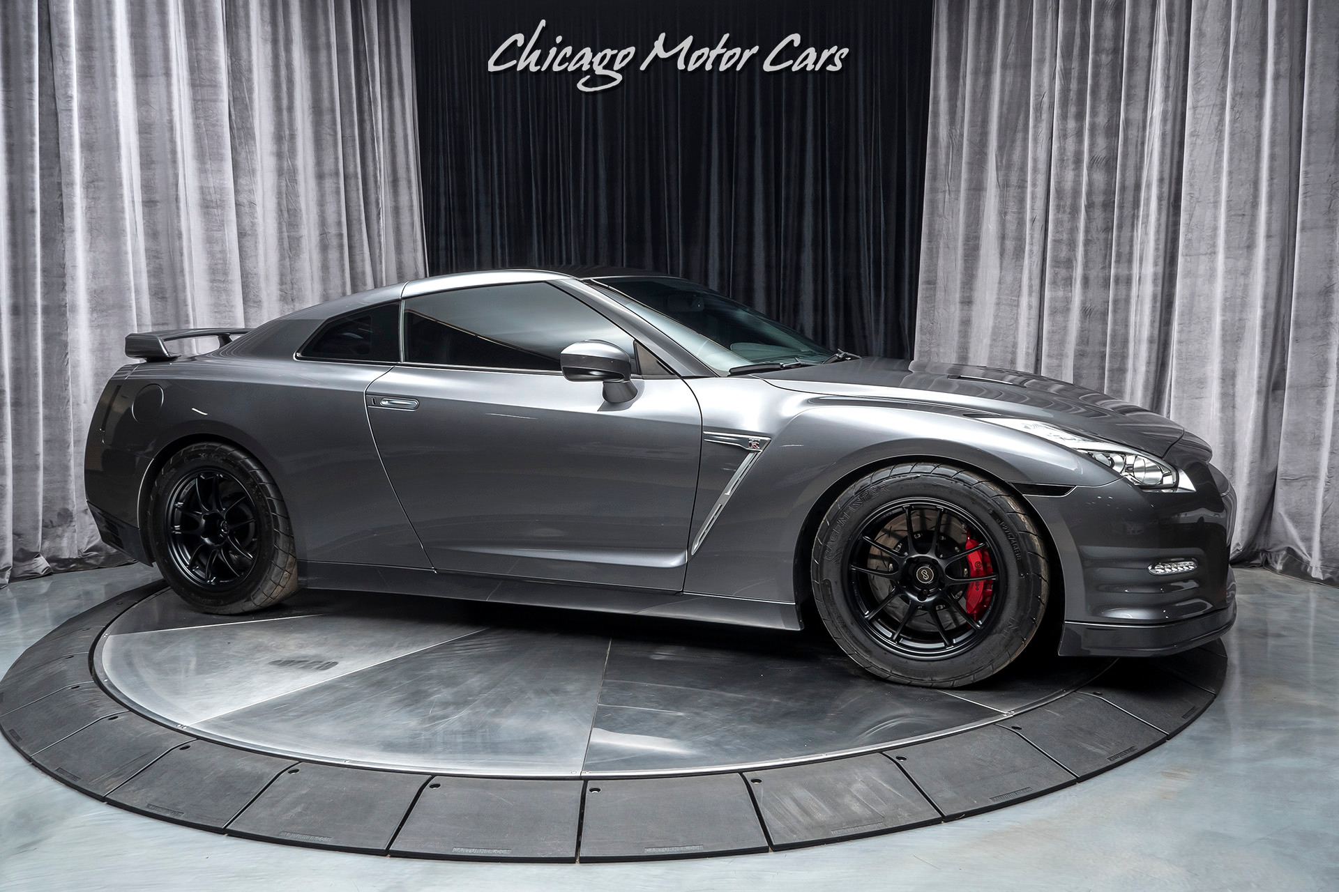 Used-2015-Nissan-GT-R-Premium-Coupe-AMS-ALPHA-7-PACKAGE-700-HORSEPOWER