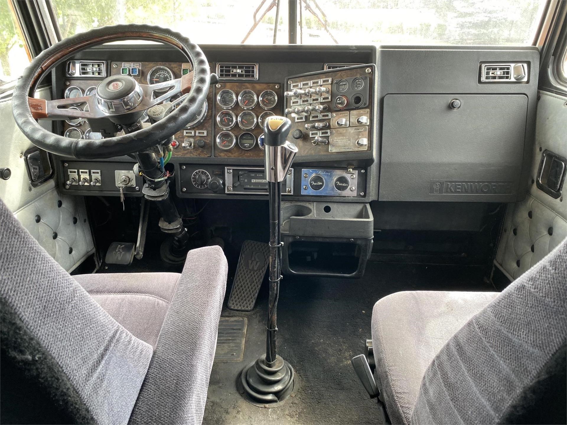 Used-1993-Kenworth-W900B