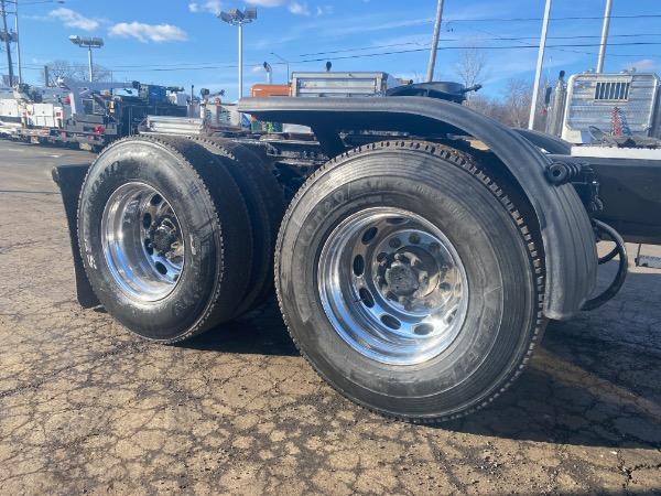 Used-2005-Peterbilt-379-Truck-Tractor
