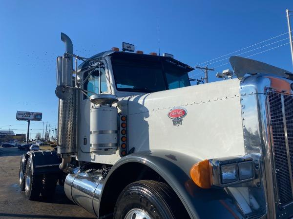 Used-2001-Peterbilt-379-Truck-Tractor