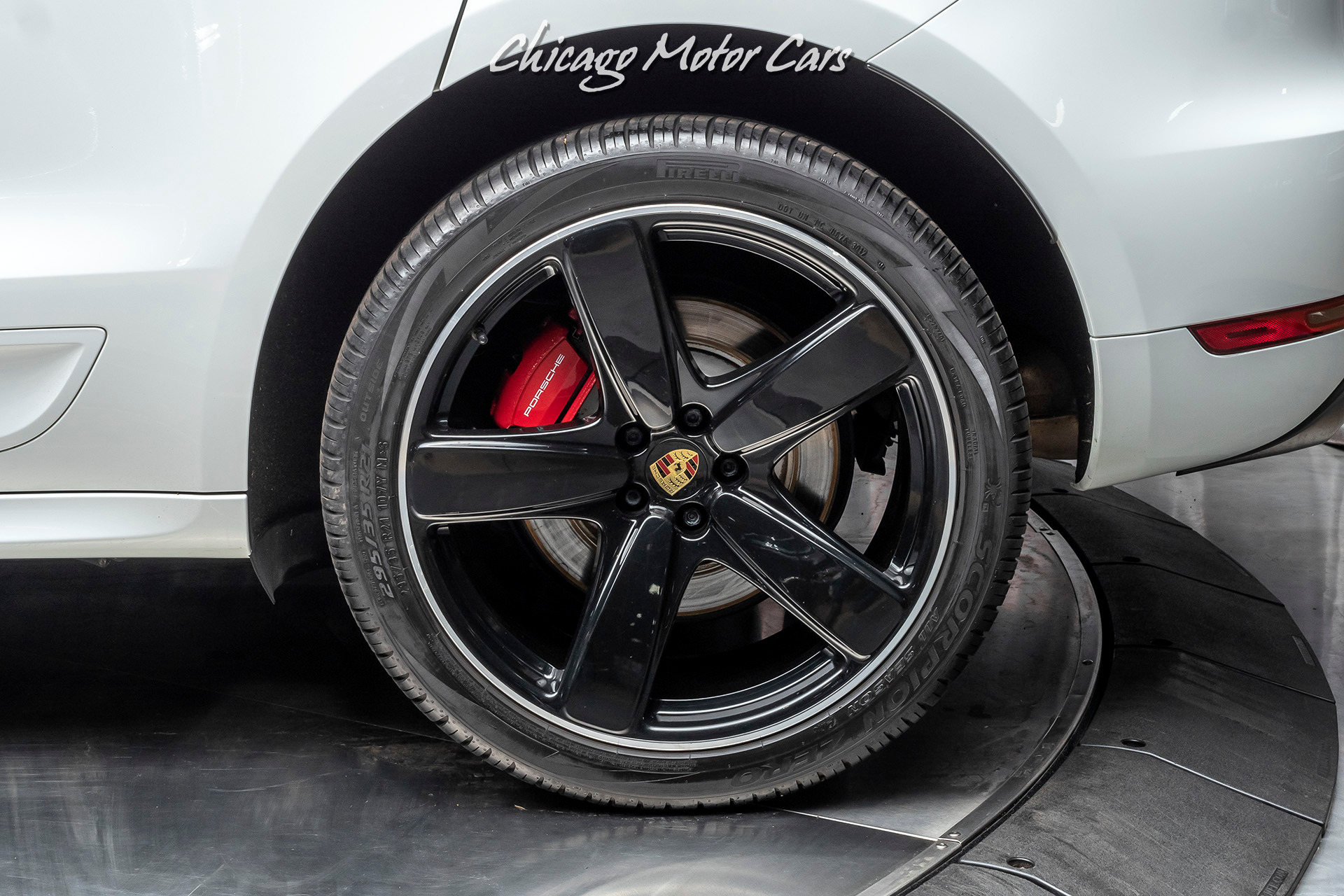 Used-2015-Porsche-Macan-Turbo-Sport-Chrono-Pkg-21-Sport-Classic-Wheels