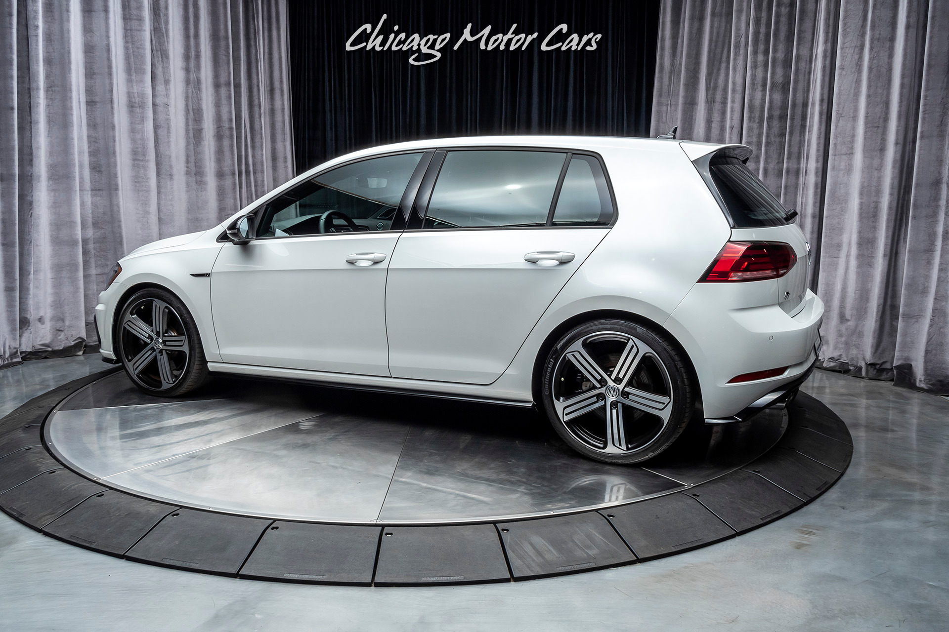 Used-2018-Volkswagen-Golf-R-4MOTION-DSG---DCC-with-Navigation-LOADED