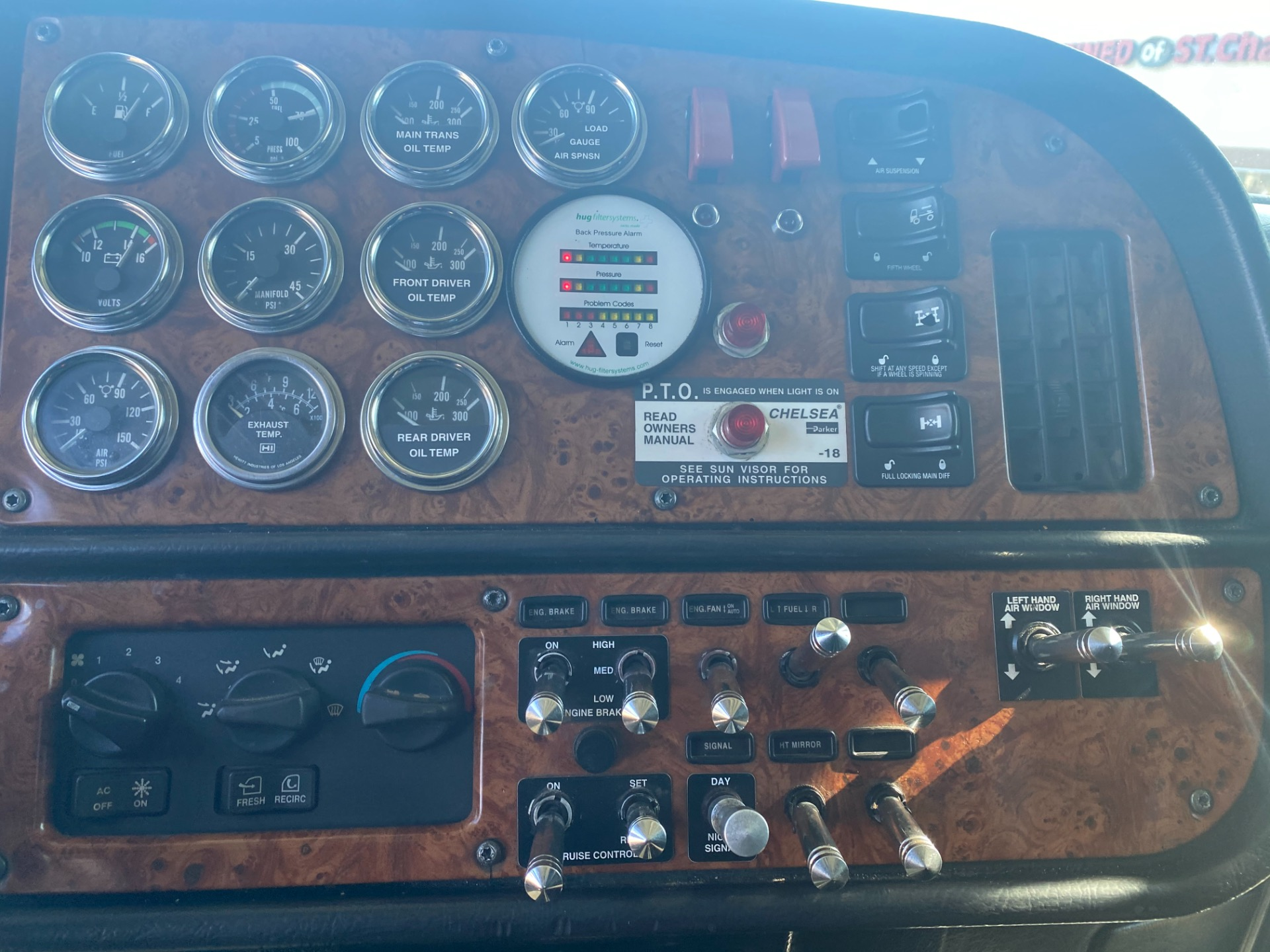 Used-2002-Peterbilt-379-Truck-Tractor