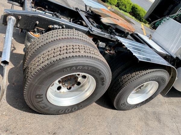 Used-2014-FREIGHTLINER-CORONADO-132-SLEEPER-GLIDER-Detroit-60---475-HP---13-Speed-Manual