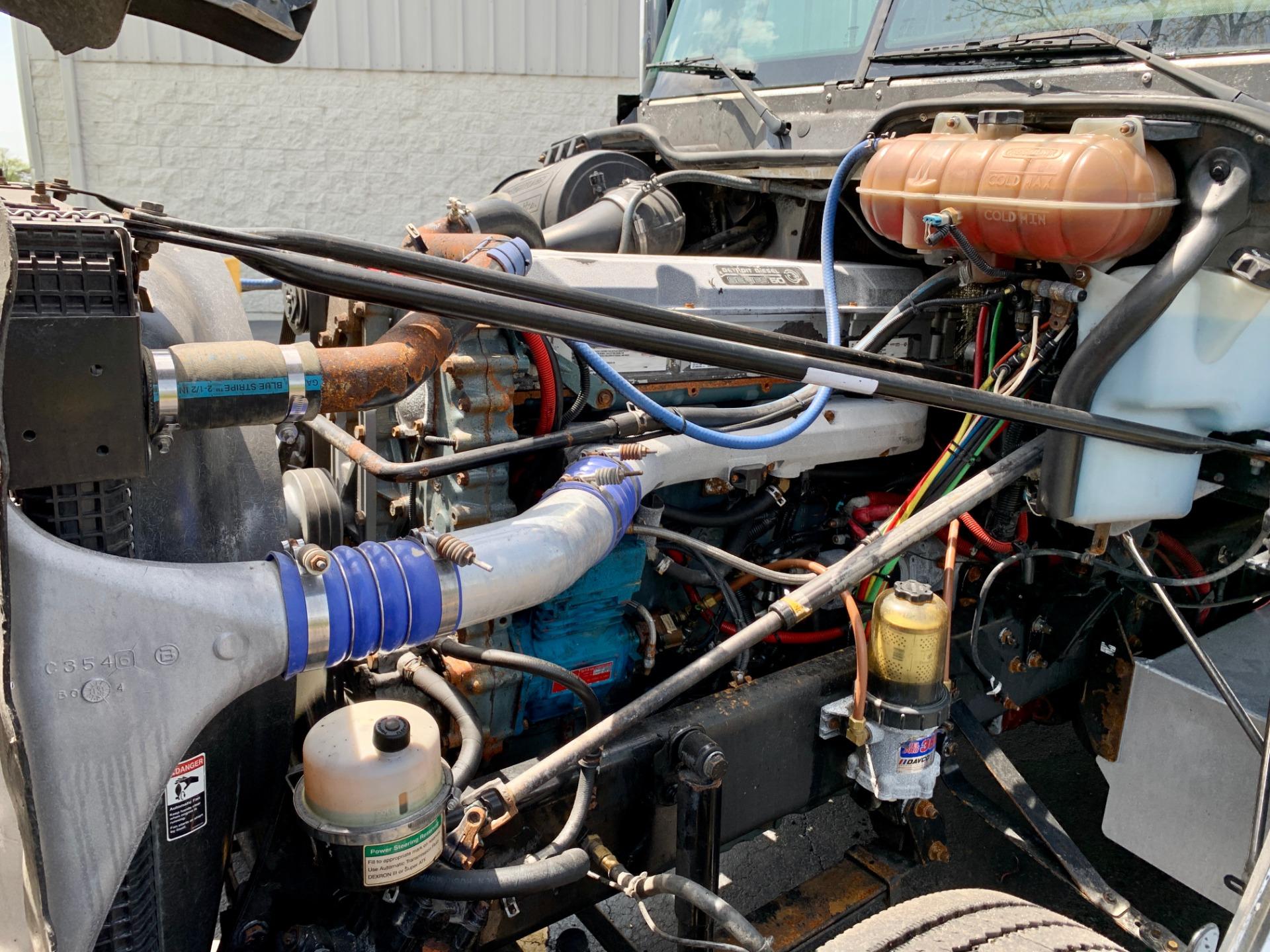 Used-2014-FREIGHTLINER-CORONADO-132-SLEEPER-Truck-Tractor