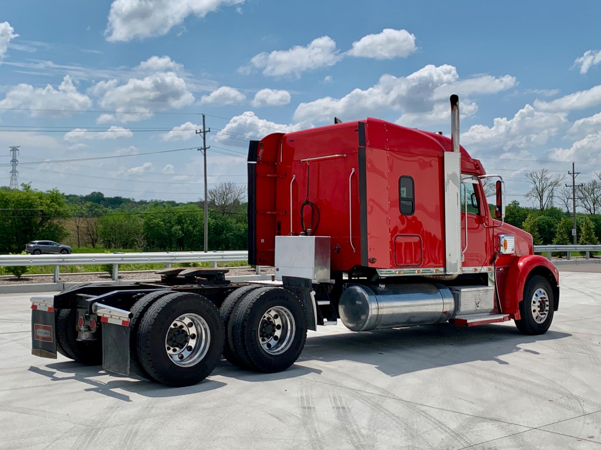 Used-2014-FREIGHTLINER-CORONADO-132-SLEEPER-GLIDER-Detroit-Diesel-Series-60---470-Horsepower