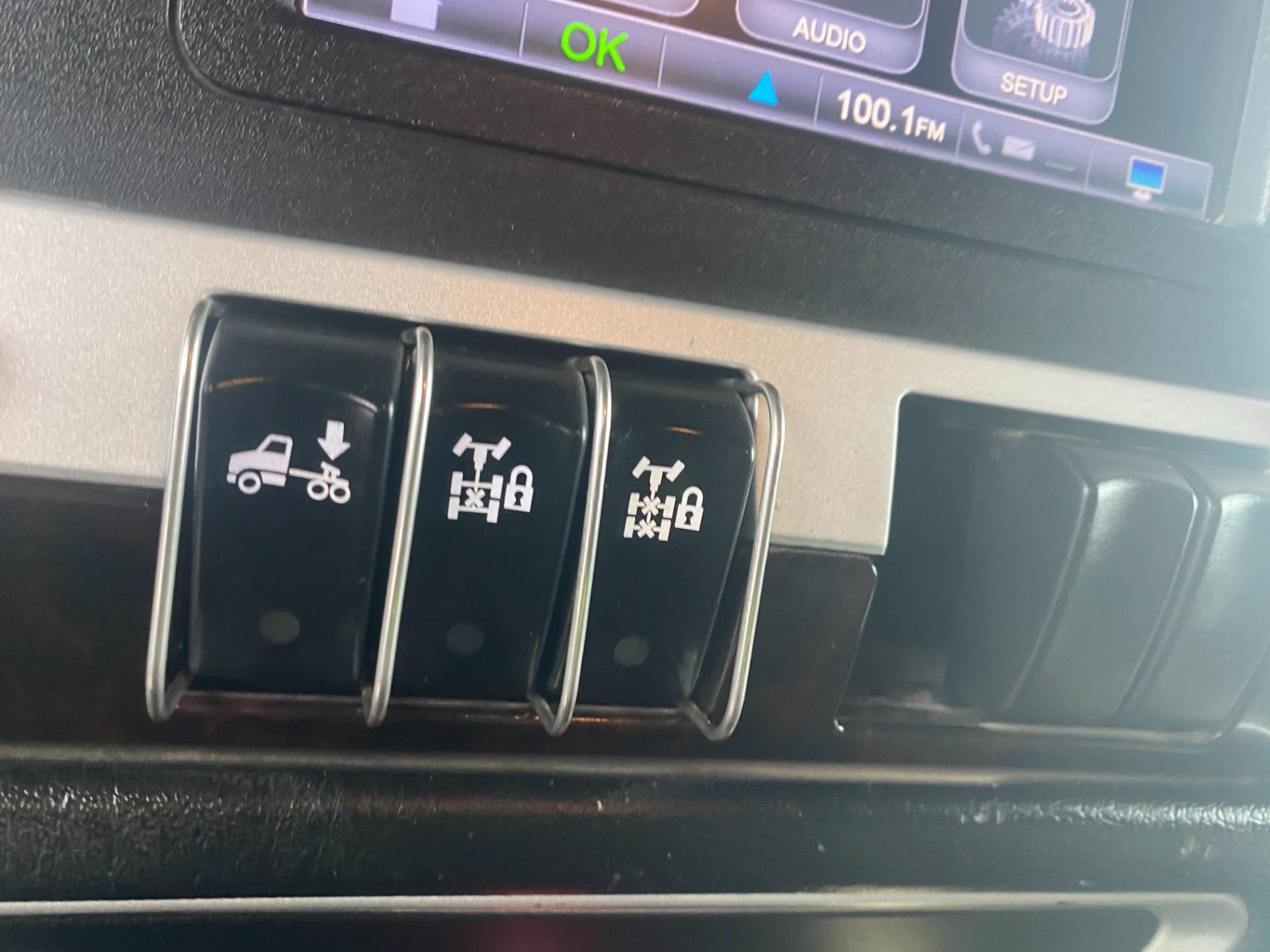 Used-2013-KENWORTH-W900-Sleeper-Cab---Cummins-ISX